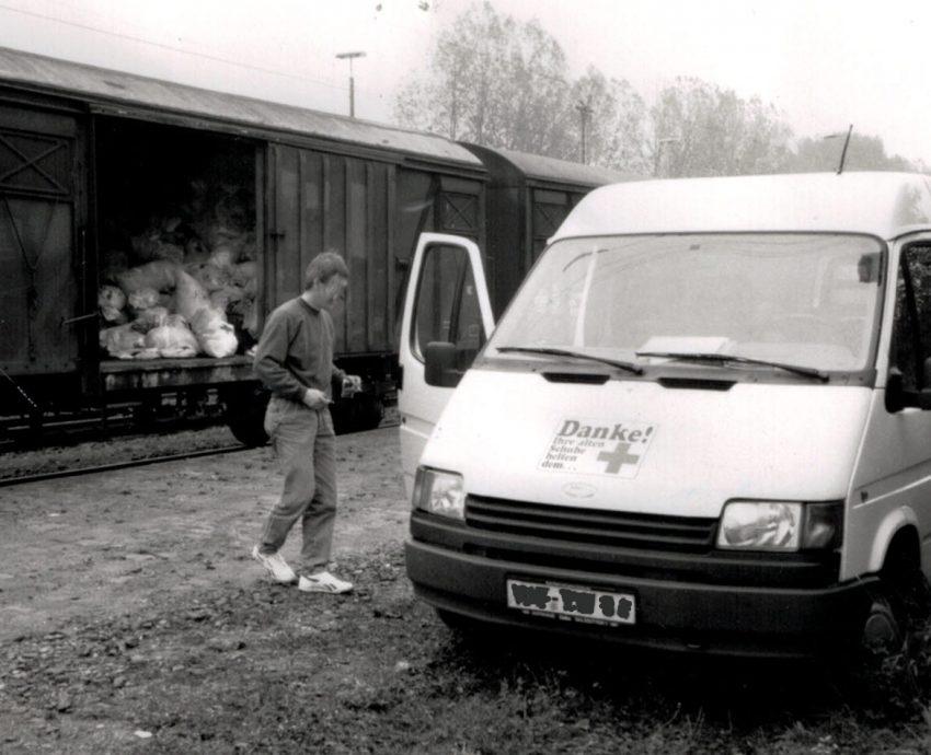 1989,,